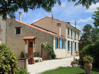 French property for sale in MORAGNE, Charente Maritime - €498,000 - photo 2