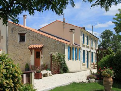 French property, houses and homes for sale in MORAGNE Charente_Maritime Poitou_Charentes