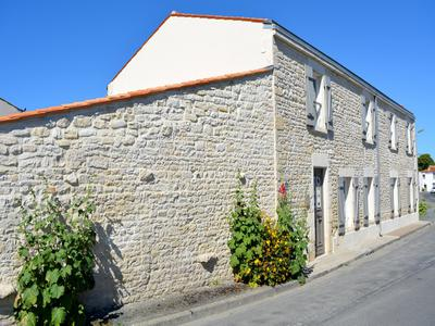 French property, houses and homes for sale in ANDILLY Charente_Maritime Poitou_Charentes