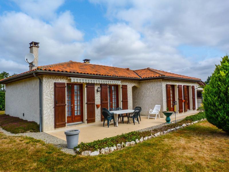 Maison à vendre en Poitou Charentes - Charente HIESSE Jolie maison ...