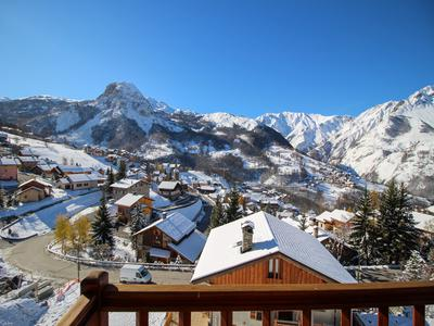 Fantastic opportunity to purchase an individual ski chalet in the ski resort of St Martin de Belleville – 3 Valleys. Exclusive to the Leggett website, don't miss the 360° virtual tour.