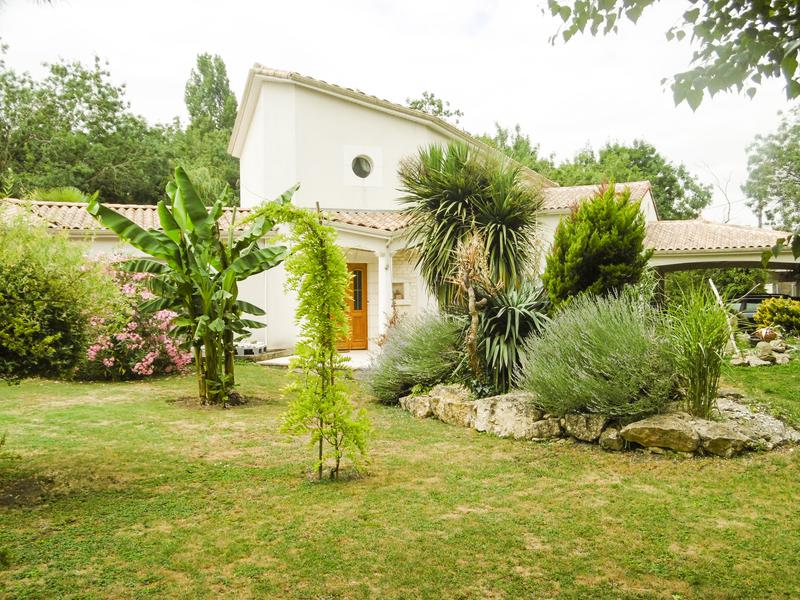 House for sale in fontenay le comte vendee individual detached property built in 2002 with - Garage fontenay le comte ...