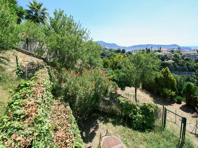 NEW : Nice Colline SEA VIEW  - Exclusive- Contemporary 3 bedroom apartment of 108m2 with sea views. 2 parkings and cellar.