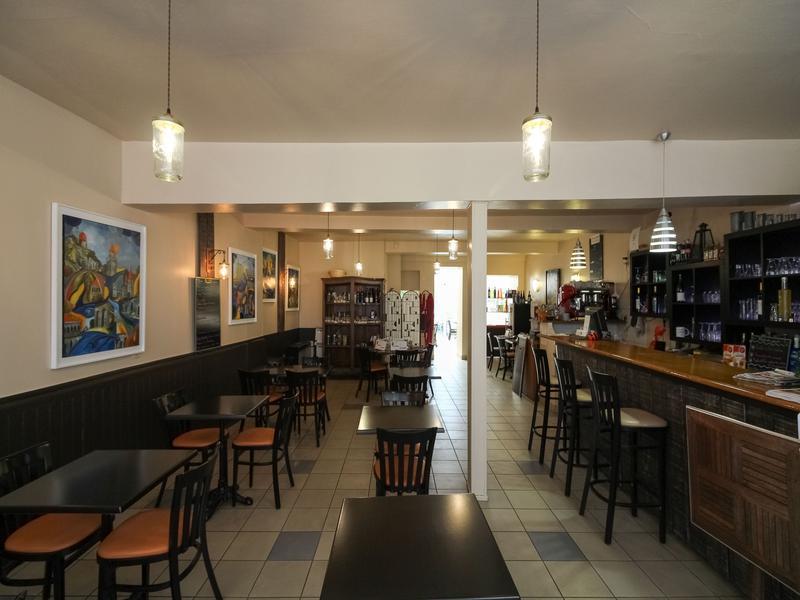 commerce vendre en poitou charentes charente maritime pons restaurant caf bar avec. Black Bedroom Furniture Sets. Home Design Ideas