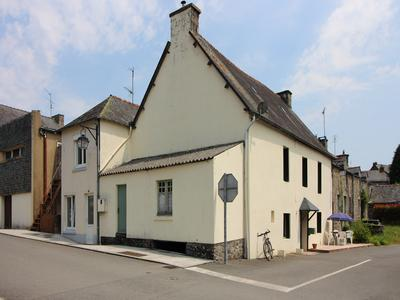 Maison à vendre à PLELAUFF, Cotes_d_Armor, Bretagne, avec Leggett Immobilier