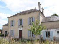 French property for sale in MARCILLAC LANVILLE, Charente - €299,600 - photo 3