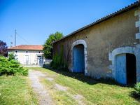 houses and homes for sale inBRIE SOUS CHALAISCharente Poitou_Charentes