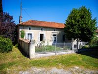 houses and homes for sale inBRIE SOUS CHALAISCharente Poitou_Charentes