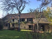 Maison à vendre à CHAMPFREMONT, Mayenne, Pays_de_la_Loire, avec Leggett Immobilier