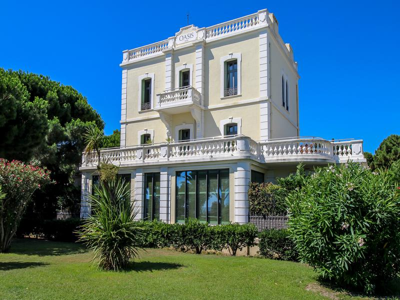 31 Of The Most Spectacular Properties For Sale In The