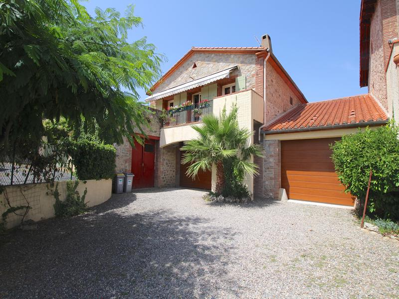 Maison vendre en languedoc roussillon pyrenees for Garage le corre ceret