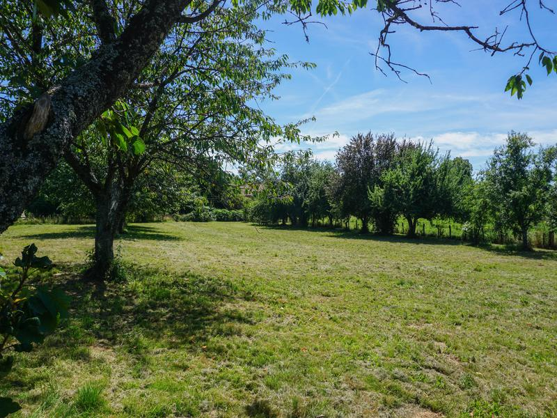Terrain à vendre à JUMILHAC LE GRAND(24630) - Dordogne