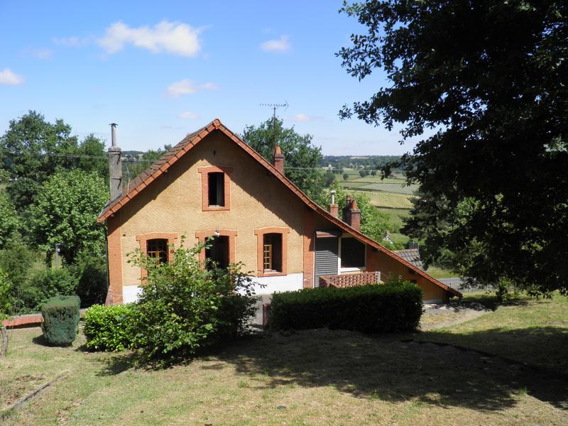 Maison à vendre à MARCILLAT EN COMBRAILLE(03420) - Allier