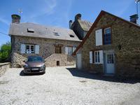 Une maiosn en pierre de trois chambres avec gîte, jardin et parking – A Chamberet !!!