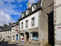 commerce à vendre à HUELGOAT, Finistere, Bretagne, avec Leggett Immobilier