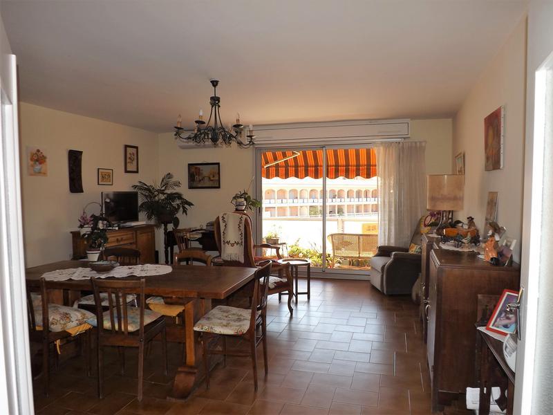 maison vendre en paca var draguignan un appartement de. Black Bedroom Furniture Sets. Home Design Ideas
