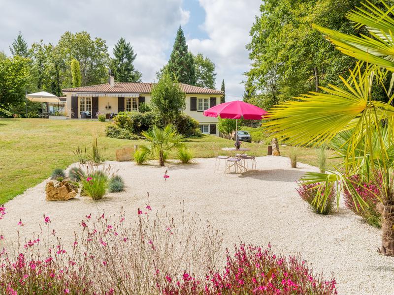 Maison à vendre en Poitou Charentes - Charente VOUZAN Maison en ...