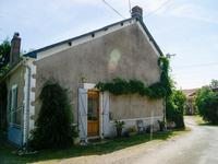 French property for sale in LA CHAPELLE THIREUIL, Deux Sevres - €149,330 - photo 7
