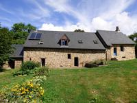 French property for sale in LASSAY LES CHATEAUX, Mayenne - €194,400 - photo 2