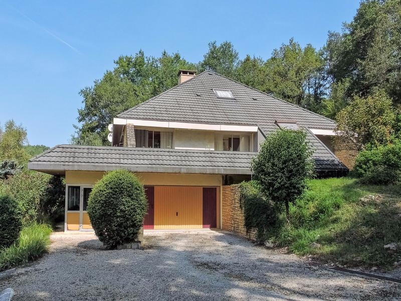 maison vendre en aquitaine dordogne le bugue p rigord noir belle villa d 39 architecte de. Black Bedroom Furniture Sets. Home Design Ideas