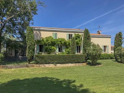 French property, houses and homes for sale in LUGON ET LILE DU CARNA Gironde Aquitaine