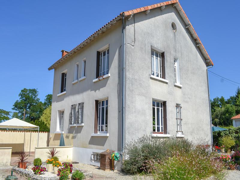 Maison à vendre en Poitou Charentes - Charente CHASSENEUIL SUR ...
