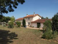 French property, houses and homes for sale inCHENONCharente Poitou_Charentes