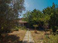 French property for sale in ENTRAIGUES SUR SORGUES, Vaucluse photo 3