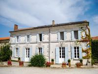 French property for sale in BOSCAMNANT, Charente Maritime - €232,000 - photo 1