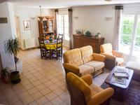 French property for sale in REGUSSE, Var - €420,000 - photo 5