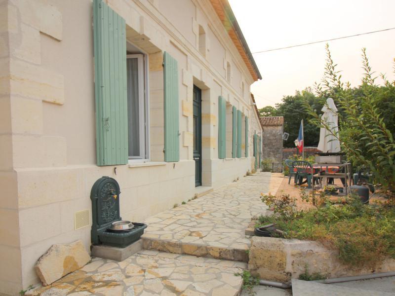 Maison à vendre à ST ROMAIN LA VIRVEE(33240) - Gironde