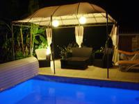 Maison et gîte avec piscine - parfait état. Belles vues.