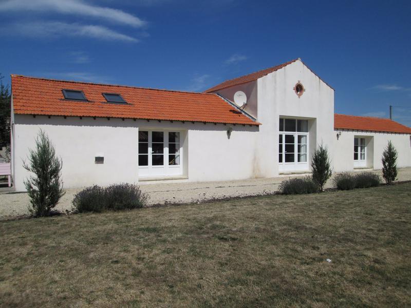 house for sale in bretignolles sur mer vendee coastal renovated property in a hamlet 3 kms. Black Bedroom Furniture Sets. Home Design Ideas