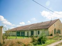 French property for sale in CASTELSARRASIN, Tarn et Garonne - €224,700 - photo 4