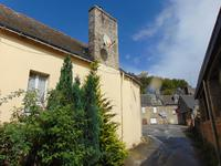 French property for sale in GUEMENE SUR SCORFF, Morbihan - €61,000 - photo 2