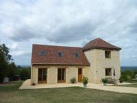 Maison contemporaine construite en 2009 avec 2 chambres et vues magnifiques sur la vallée de la Dordogne et Domme.