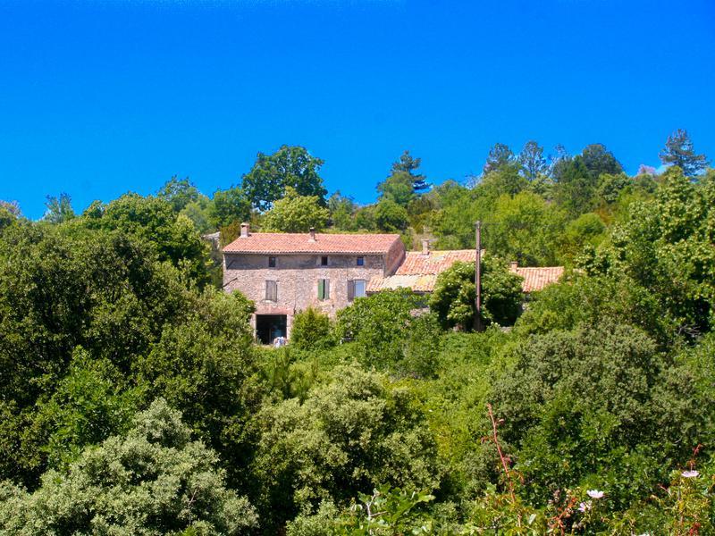 maison vendre en paca vaucluse monieux maison de campagne de 240m2 et 6 chambres dans hameau. Black Bedroom Furniture Sets. Home Design Ideas