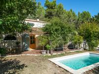 French property for sale in PERNES LES FONTAINES, Vaucluse - €390,000 - photo 2