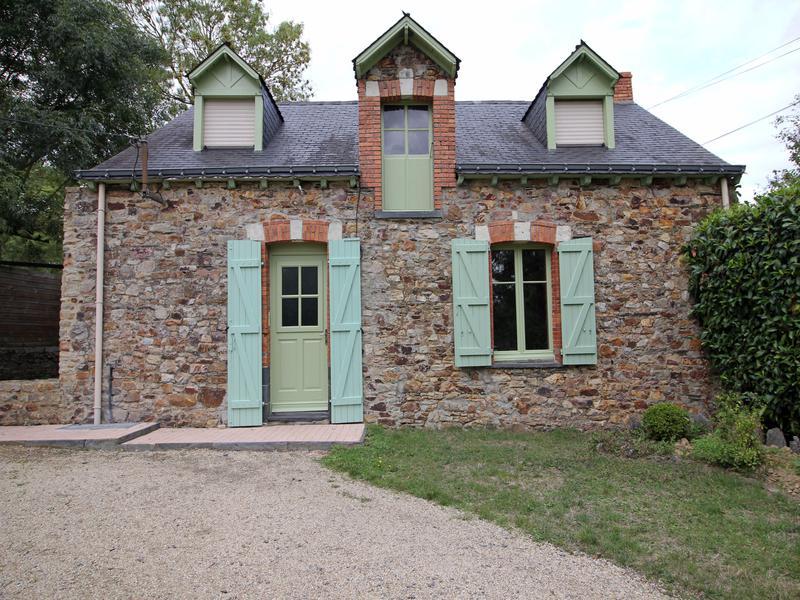 maison vendre en pays de la loire loire atlantique sion les mines jolie maison en pierres. Black Bedroom Furniture Sets. Home Design Ideas