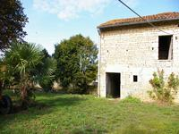 French property for sale in VILLEFAGNAN, Charente - €199,800 - photo 4