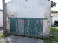 French property for sale in CHERVES RICHEMONT, Charente - €54,000 - photo 6