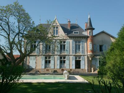 French property, houses and homes for sale in ISSERPENT Allier Auvergne