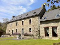 houses and homes for sale inLOCUNOLEFinistere Brittany