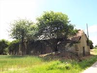 French property for sale in PRE EN PAIL, Mayenne - €30,000 - photo 3