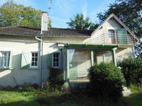Maison traditionelle dans un joli petit hameau près du village de Liglet dans la Vienne.