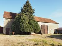 French property for sale in VERNEUIL LE CHATEAU, Indre et Loire - €169,600 - photo 2
