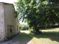 French property for sale in PUJOLS, Gironde - €455,800 - photo 4