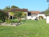 Maison, gite, grange et beau jardin