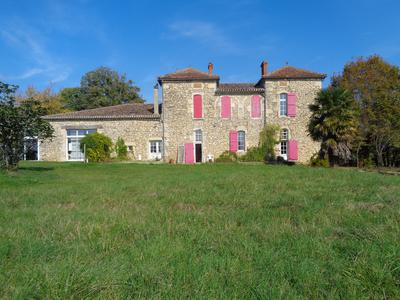 French property, houses and homes for sale in SAUVETERRE DE GUYENNE Gironde Aquitaine