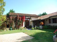 French property, houses and homes for sale inMANSLECharente Poitou_Charentes